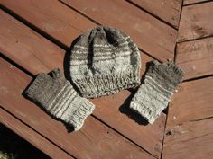 Made by LaurieBeaKnitting from wool I hand spun from Jacob sheep.