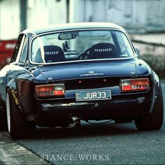Visit The MACHINE Shop Café... ❤ The Best of Alfa Roméo... ❤ (LOVE Alfa Roméo 1750 GTV) なんとお洒落なリアビュー