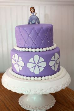 sofia the first cake needs tiara and amulet