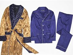 Men s luxurious dark gold paisley silk dressing gown with piped and quilted  navy blue shawl collar. 2e78c3ad3