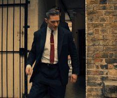 """Tom Hardy in """"Legend"""""""