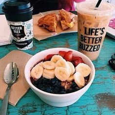 Image shared by Ivy. Find images and videos about food, yummy and delicious on We Heart It - the app to get lost in what you love. I Love Food, Good Food, Yummy Food, Healthy Snacks, Healthy Eating, Healthy Recipes, Breakfast Healthy, Dinner Healthy, Breakfast Cafe