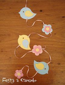Passarinhos Felt Crafts, Diy And Crafts, Crafts For Kids, Paper Crafts, Bird Birthday Parties, Diy Birthday, School Decorations, Birthday Decorations, Bird Party