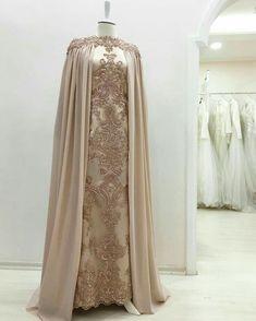 Ideas dress brokat cape for 2019 Abaya Fashion, Muslim Fashion, Modest Fashion, Fashion Dresses, Pretty Dresses, Beautiful Dresses, Muslimah Wedding Dress, Dress Brokat, Mode Abaya