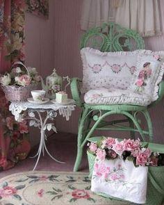 Shabby Vintage, Vintage Decor, Shabby Chic Homes, Shabby Chic Style, Cottage Chic, Cottage Style, Romantic Cottage, Garden Cottage, Cottage House