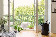 Deco Esszimmer mit Blick auf den Balkon - Salles à manger - Balcony Design, Garden Design, Feng Shui, Diy Furniture Projects, Green Plants, Indoor Air Quality, The Fresh, Home And Living, Interior Architecture
