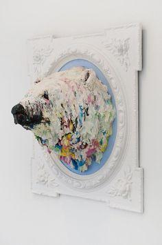 Polar Bear Sculpture – Fubiz™