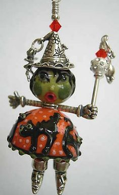 Penny Michelle Jewelry Designs: Halloween Jewelry Collection Halloween Beads, Halloween Jewelry, Holidays Halloween, Halloween Crafts, Wire Crafts, Diy And Crafts, Jewelry Boards, Fall Diy, Beads And Wire