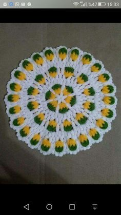 This Pin was discovered by Naz Quick Crochet, Crochet Baby, Free Crochet, Peacock Crochet, Crochet Flowers, Yarn Crafts, Diy And Crafts, Crochet Designs, Crochet Patterns