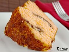 This gluten-free coffee cake is delicious! It's easy to make and sure to impress! Free of refined sugars and gluten-free, this will be a favorite dessert. Gluten Free Deserts, Gluten Free Sweets, Gluten Free Coffee Cake, Gluten Free Cakes, Gluten Free Cooking, Gluten Free Breakfasts, Foods With Gluten, Paleo Coffee Cake, Gluten Free Recipes
