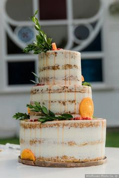 Stunning semi naked wedding cake with oranges and berries - drip details with greenery {Wildflower Photo Co.} Stunning semi naked wedding cake with oranges and berries - drip details with greenery {Wildflower Photo Co. Pretty Wedding Cakes, Beautiful Wedding Cakes, Purple Wedding, Summer Wedding, Wedding Website, Watercolor Wedding, Floral Watercolor, California Wedding, Wildflower Cake
