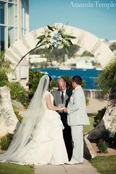 A Beautiful Outdoor Wedding At The Fairmont Hamilton Princess