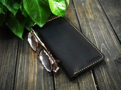 Mens Leather iPhone6/iphone6 plus Wallet / Leather Bifold Wallet / Men'sPersonalized wallet/ Monogram Wallet/ Hand-Stitching