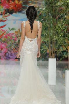 34f1e1b5d Las 95 mejores imágenes de Vestidos de novia con escote en la ...