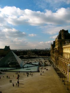 Top 5 Most-Loved Sightseeing Locations in Paris