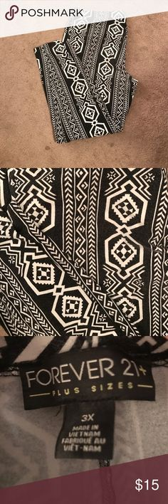 💲⬇️ PRICE FIRM EUC F21+ Black/White Legging (3X) Black & white tribal print leggings. EUC. Priced to show wear. Still in great condition! Forever 21 Pants Leggings