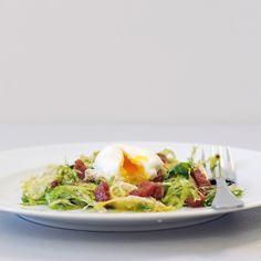 Lyonnaise Salad Is a Classic Bistro Beauty