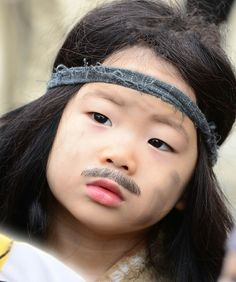 Song Manse: The kid who took the wrong drug as a kid. Cute Asian Babies, Korean Babies, Cute Babies, Song Il Gook, Superman Kids, Korean Tv Shows, Man Se, Song Triplets, Song Daehan