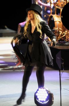 Stevie Nicks Style Is Bohemian Cool At Its Finest (PHOTOS)  2013