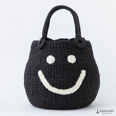 【a jolie】アジョリー スマイル刺繍 カゴバッグ