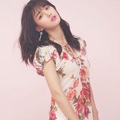Nam Bo Ra, Short Sleeve Dresses, Dresses With Sleeves, Shoulder Dress, Twins, Kpop, Fashion, Moda, Sleeve Dresses
