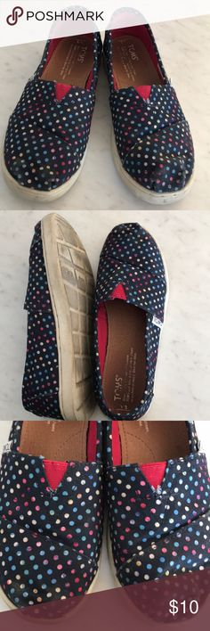 Youth navy polka dot Classic Toms Fun polka dot Toms slip ons! My daughter loved these, but has outgrown them. Have some wear on the bottom and toes, but still adorable and have lots of life left in them! Toms Shoes
