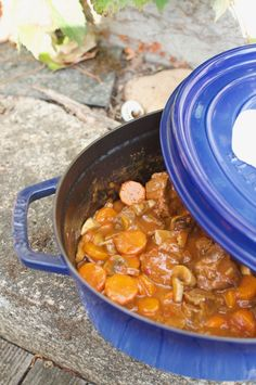 Beef stew with carrots, mushrooms and tomato - Herve Knightley A Food, Food And Drink, Kneading Dough, Ratatouille, Beef Recipes, Stew, Food Processor Recipes, Food To Make, Stuffed Mushrooms