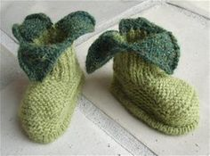 Cute apple shoes for baby