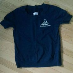 Navy 1/3 sleeved sweatshirt Sz M Navy 1/3 sleeved sweatshirt with front pocket and sailboat screenprint. Merona Tops Sweatshirts & Hoodies