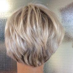 Short pixiebob - lyhyet vaaleat hiukset