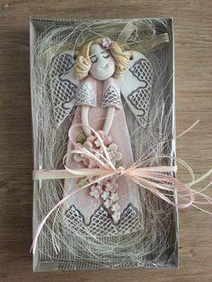 Pasja dekorowania : aniołkowo Pasta Fimo, Clay Crafts, Arts And Crafts, Handmade Angels, Polymer Clay Figures, Play Clay, Christmas Crafts, Christmas Ornaments, Fused Glass Art