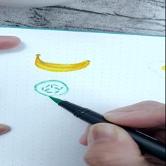 Who else loves to put cucumber slices in their drinks? Here's a simple way to draw a cucumber slice using a brush pen. Brush Pen, Simple Way, Food Art, Cucumber, Doodles, Bullet Journal, Draw, Drinks, Doodle