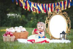 Snow White Themed First Birthday | South Florida Photographer | Lovely Bee Photography