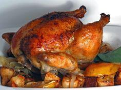 El delicioso Pavo a la Salvadoreña es una tradición de fin de año. Ademas de poder servirlo con su arrocito y ensalada, también es idela para los Panes con Pavo.
