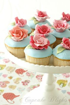 i would think these were far too pretty to eat...  at least i would think that for about a minute then i would dive in