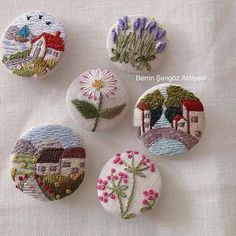 Supreme Best Stitches In Embroidery Ideas. Spectacular Best Stitches In Embroidery Ideas. Hand Embroidery Stitches, Embroidery Jewelry, Silk Ribbon Embroidery, Embroidery Art, Embroidery Patterns, Art Textile, Fabric Jewelry, Handicraft, Needlework