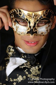 Masquerade model Luis Martinez by Lafaiete Photography. Venetian mask male photography.