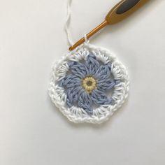 O+byX+YsRXCfiHxfN+w Free Crochet Doily Patterns, Crochet Coaster Pattern, Granny Square Crochet Pattern, Crochet Diagram, Crochet Squares, Crochet Pony, Crochet Mat, Beginner Crochet Tutorial, Crochet Instructions