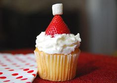 Santa's Stocking Cap Cupcakes #holiday #recipe #LindsayWeiss