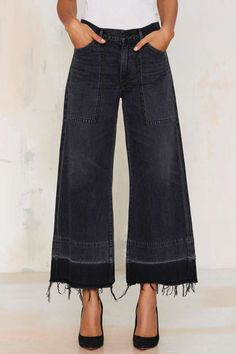 you could rock these crop jeans ~