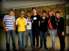alunos do ensino médio participando da feira de ciências da UNIPAMPA