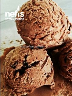 Make Homemade Holiday Ice Cream flavors like Frozen Hot Chocolate Ice Cream with just two ingredients, your choice of flavors and no expensive ice cream machine! Chocolate Sorbet, Sugar Free Chocolate, Chocolate Ice Cream, Chocolate Fudge, Homemade Chocolate, Chocolate Cookies, Ice Cream Flavors, Ice Cream Recipes, Sugar Free Deserts