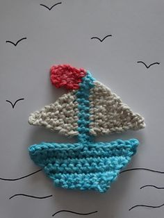 This boat is quick and easy to make using only a couple of basic crochet stitches. It is suitable for an applique, putting on a card, making in a fridge magnet or anything you like really!