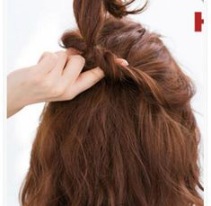 Hairstyles for girls dating Princess Hairstyles, Girl Hairstyles, Hair A, Hair Type, Beautiful Clothes, Beautiful Outfits, Hair Illustration, The Girl Who, Little Princess