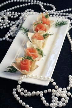 Fancy appetizer: Smoked Salmon and Horseradish in Wonton Cups    pasta princess and more