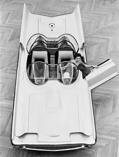 Retro Futurism - Lincoln Futura Concept Car, 1955.