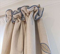 Kensington house rental - Beautiful touches throughout, such as beige linen curtains & blue stripe lining Drapery Styles, Drapery Designs, Curtain Styles, Curtain Ideas, Drapery Ideas, Linen Curtains, Curtains With Blinds, Bedroom Curtains, Valances