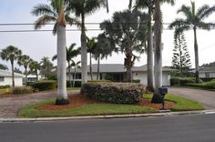 Siesta Key House Rental: 4 Brm Across From Beach, On Canal, Gorgeous! / 5633 Cape Leyte Dr | HomeAway