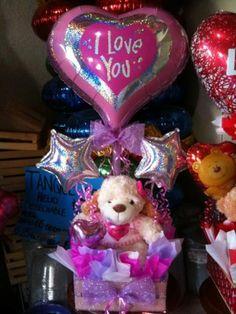 Peluches en arreglos - Imagui Candy Bouquet Diy, Diy Bouquet, Balloon Bouquet, Valentine Gift Baskets, Valentine's Day Gift Baskets, Valentine Day Gifts, Valentines Balloons, Balloon Gift, Valentine Decorations