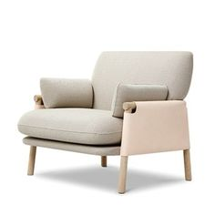 74 Beautiful Armchair Design Inspirations for Your Living Room https://www.futuristarchitecture.com/6711-armchairs.html